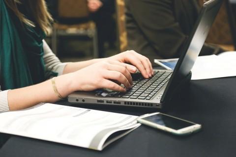 ノートパソコン OS Bing